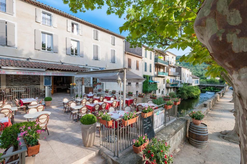 Restaurant ou autre lieu de restauration dans l'établissement Hotel Restaurant des Maures