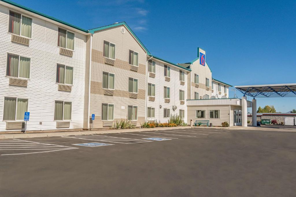 Motel 6 Redmond.