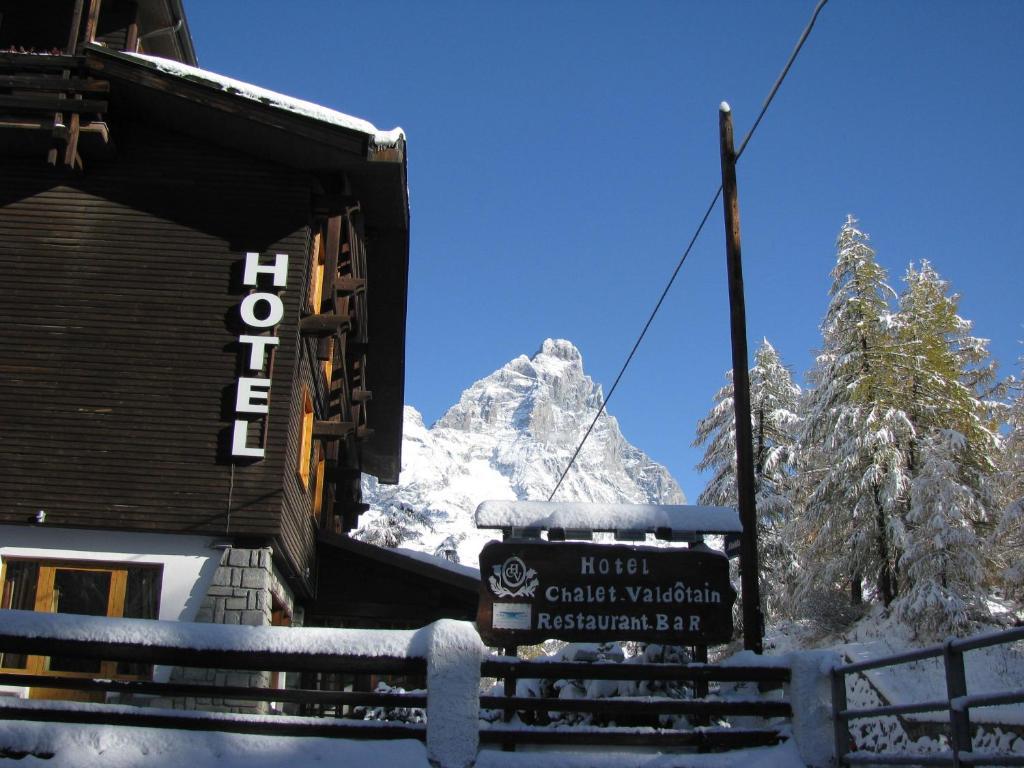 Chalet Valdotain durante l'inverno
