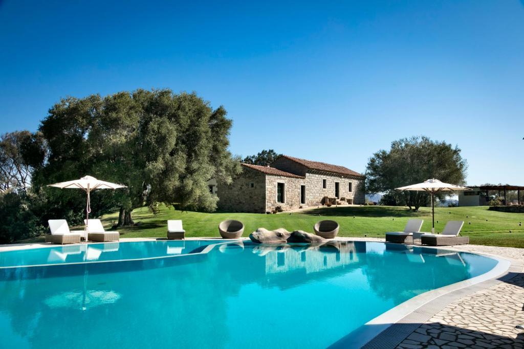 The swimming pool at or near Stazzo Lu Ciaccaru