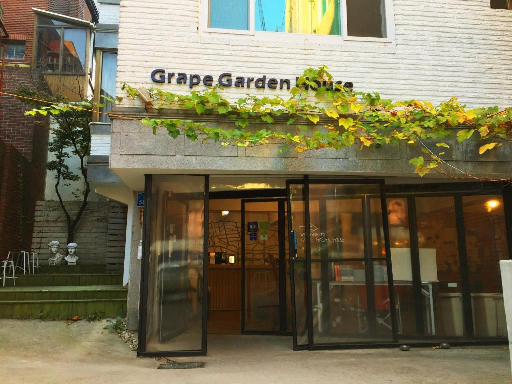 The facade or entrance of Grape Garden House