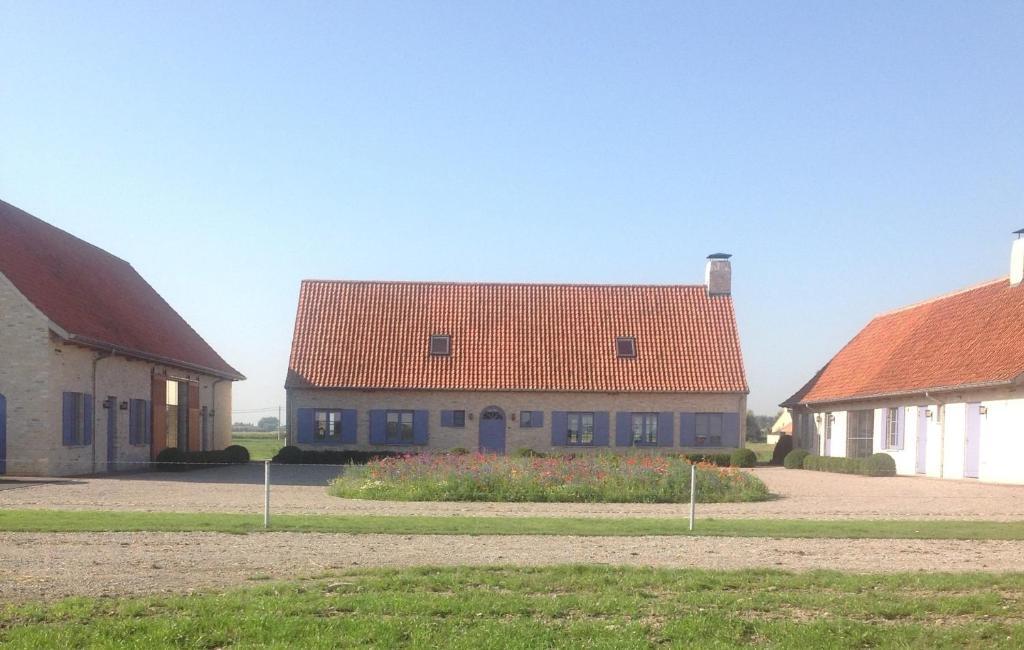 Het gebouw waarin het vakantiehuis zich bevindt