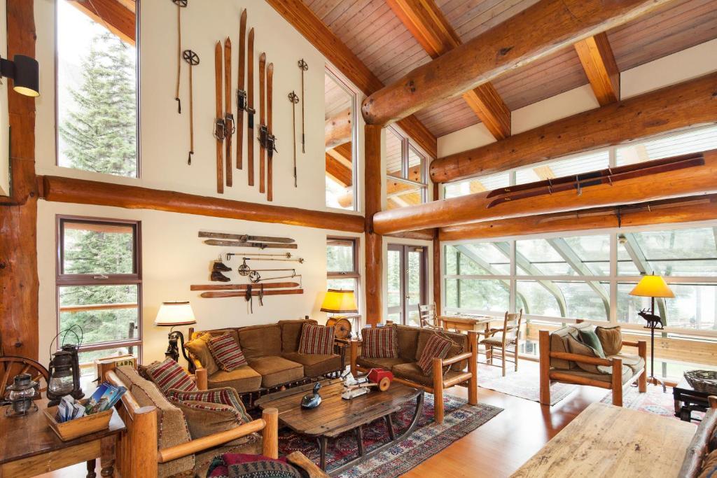 Moraine Lake Lodge Lake Louise Canada Booking Com