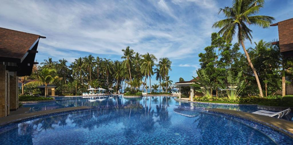 The swimming pool at or close to Movenpick Resort & Spa Boracay