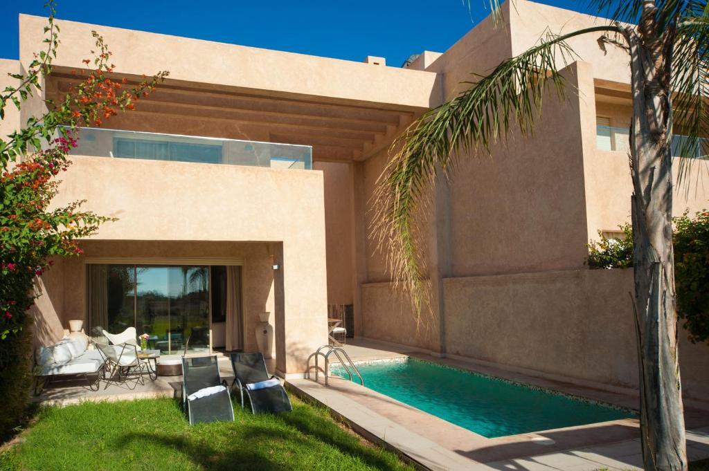 The swimming pool at or close to Villa Loubane