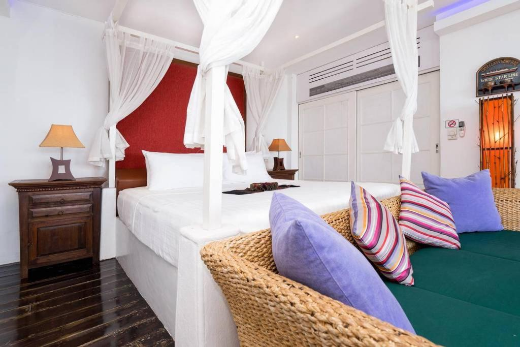 1 Bedroom Beach Front Villa - Bangrak (KENBB1)