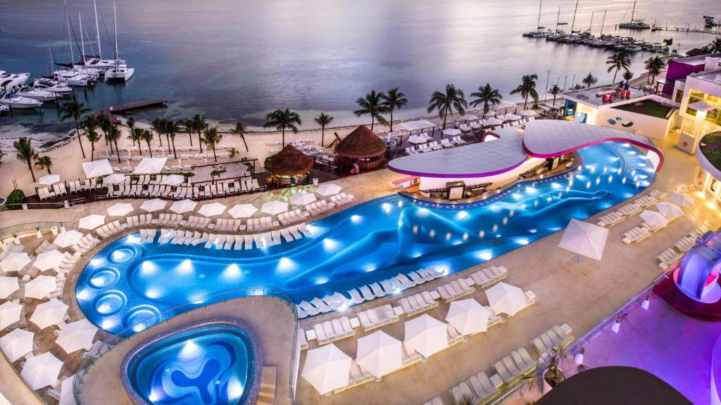 A view of the pool at Temptation Cancun Resort - All Inclusive - Adults Only or nearby