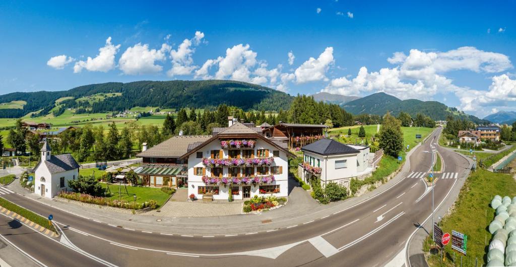 A bird's-eye view of Hotel Gratschwirt