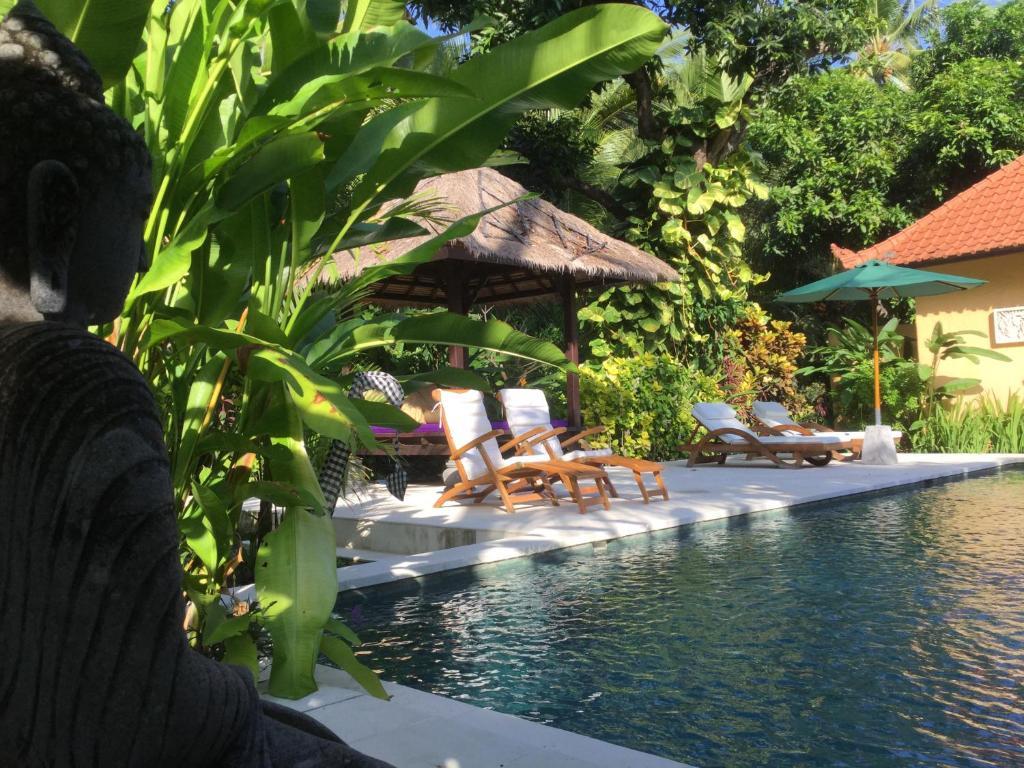 Het zwembad bij of vlak bij Villa Taman Ayu