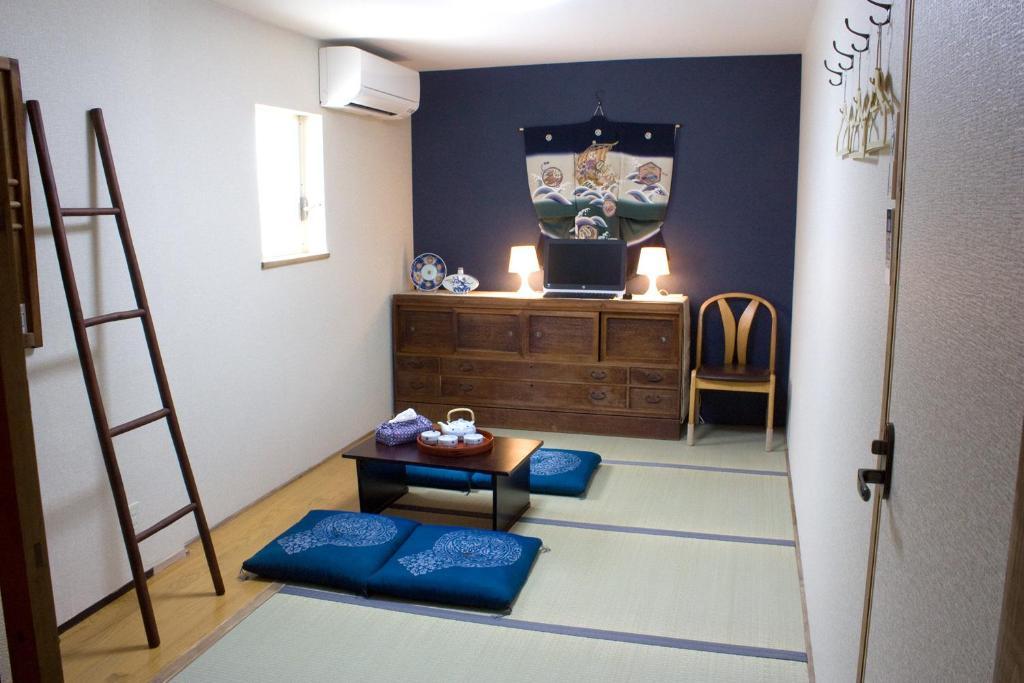 The lobby or reception area at Tsukiji Hostel Wakayama 2
