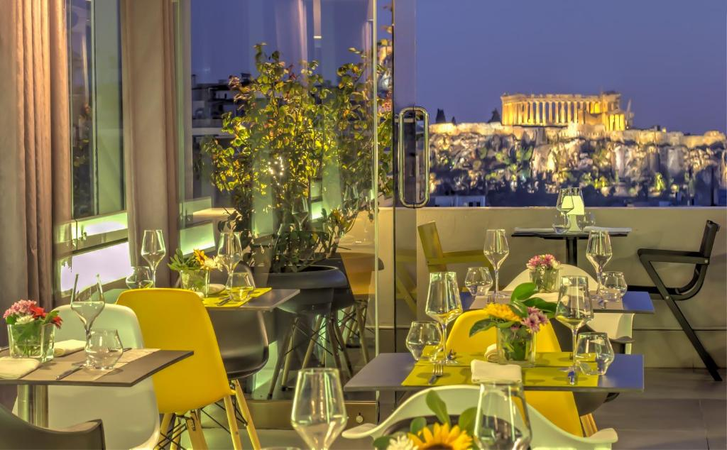 A restaurant or other place to eat at Polis Grand Hotel