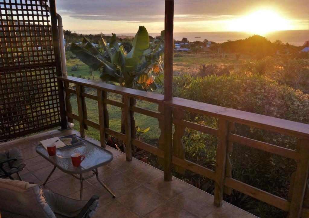 A balcony or terrace at Hareswiss Easter Island Bungalows