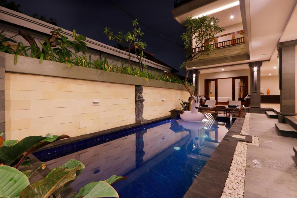 The swimming pool at or close to Singgah Hotel Seminyak