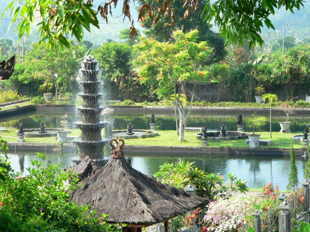 Resort Village Tirtaganga Water Palace, Tirtagangga, Indonesia ...