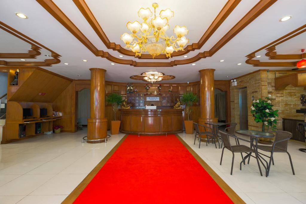 The lobby or reception area at PR Patong Residence