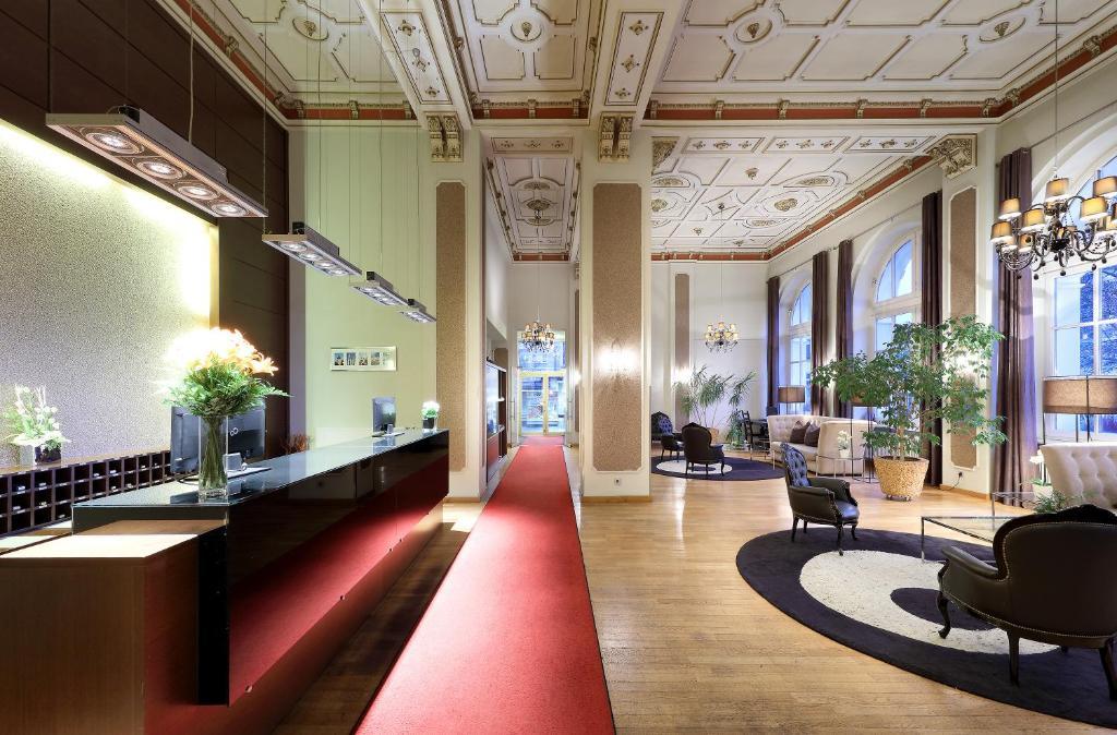 The lobby or reception area at Eurostars Park Hotel Maximilian