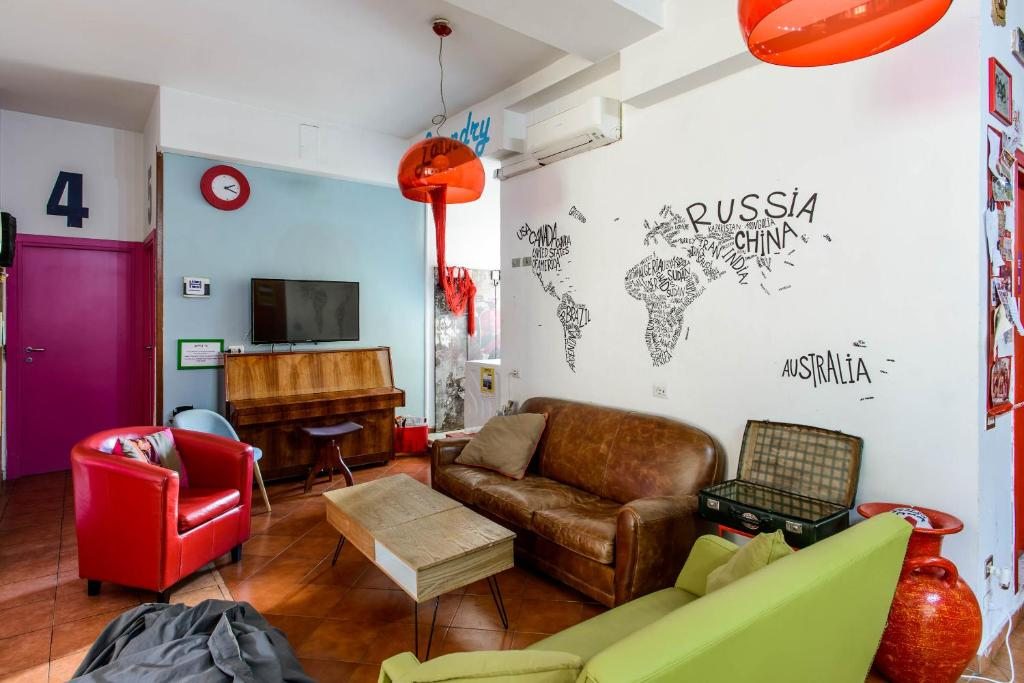 Zona de estar de Hostel of the Sun