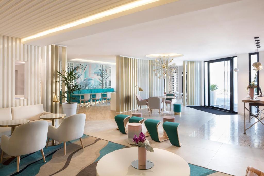 Hotel Mercure Villeneuve Loubet Plage Villeneuve Loubet France