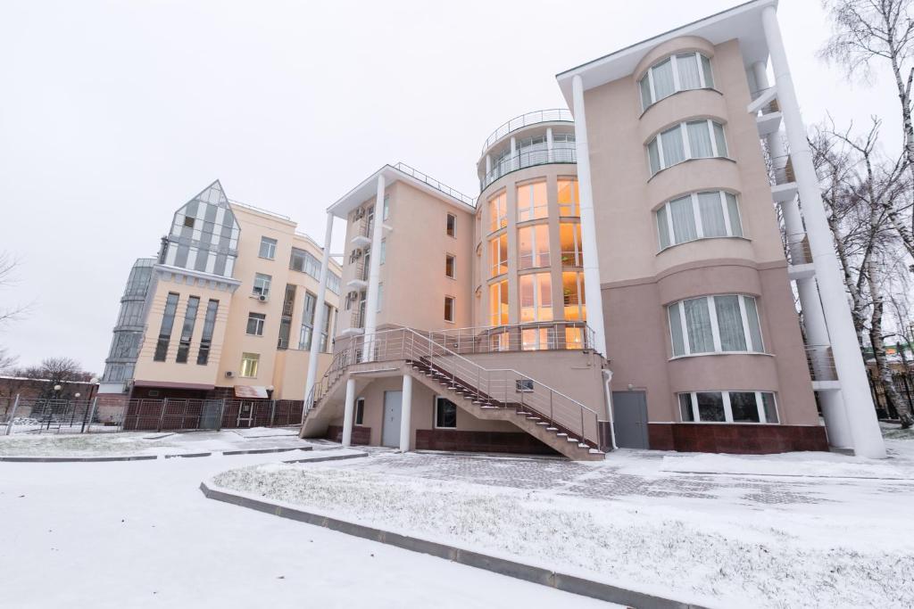 Отель Минин на улице Пожарского зимой