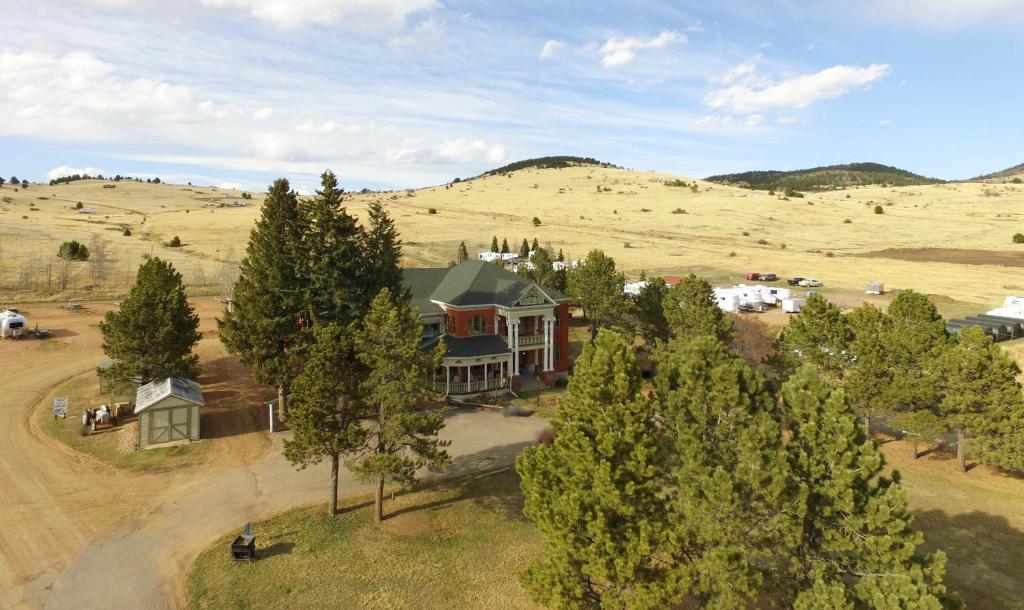 A bird's-eye view of Cripple Creek Hospitality House & Travel Park
