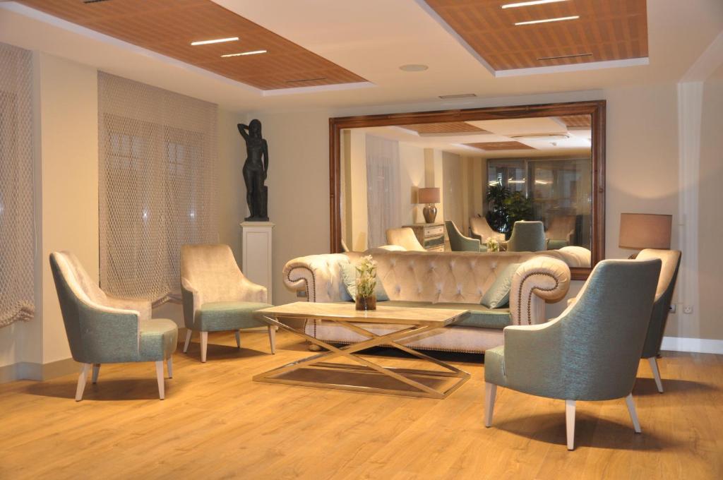 Zona de estar de Sercotel Hotel Selu