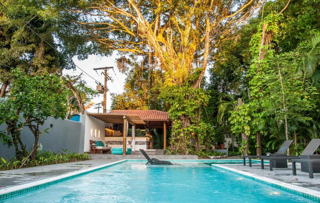 The swimming pool at or near Pousada e Chalés Aquarius