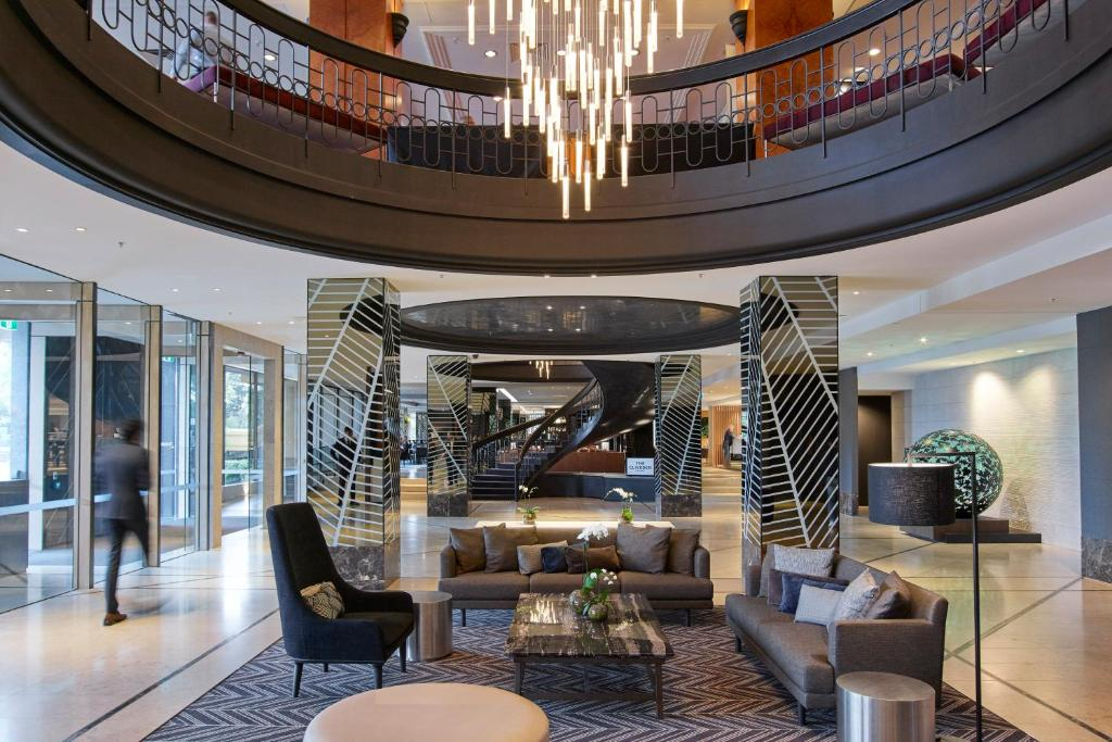 The lobby or reception area at Pullman Melbourne On the Park