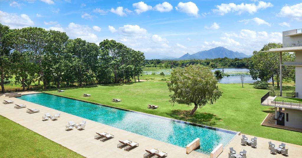 Uma vista da piscina em Jetwing Lake ou nas proximidades