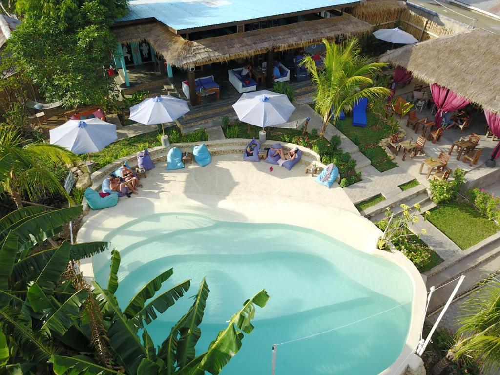 Vue sur la piscine de l'établissement Wae Molas Hotel ou sur une piscine à proximité
