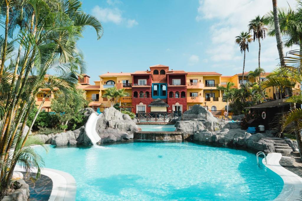 Het zwembad bij of vlak bij Park Club Europe - All Inclusive Resort
