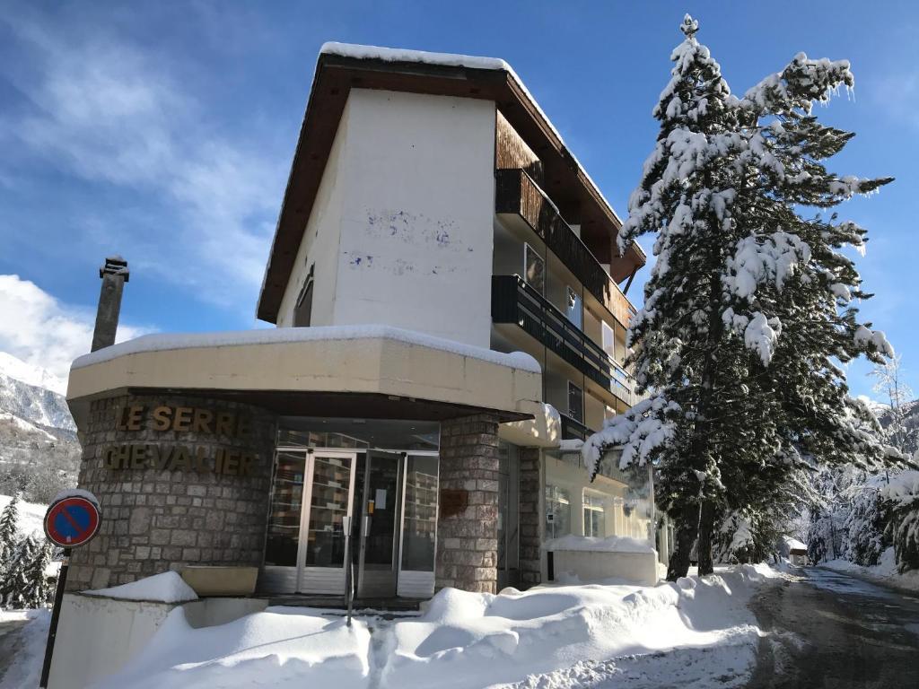 Lodge Le Serre Chevalier La Salle Les Alpes France Booking Com