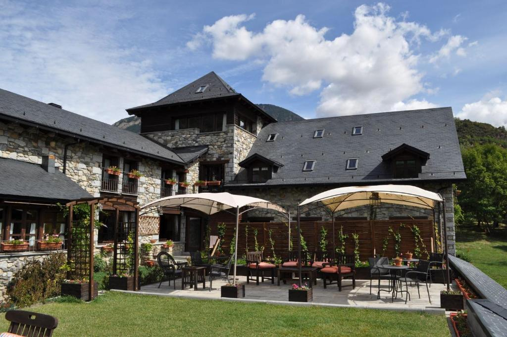 boutique hotels in benasque  26