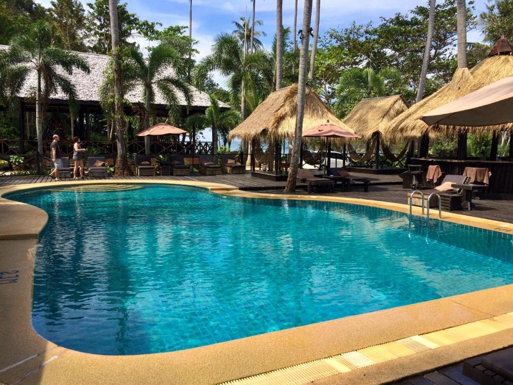 The swimming pool at or close to Nirvana Resort Koh Chang