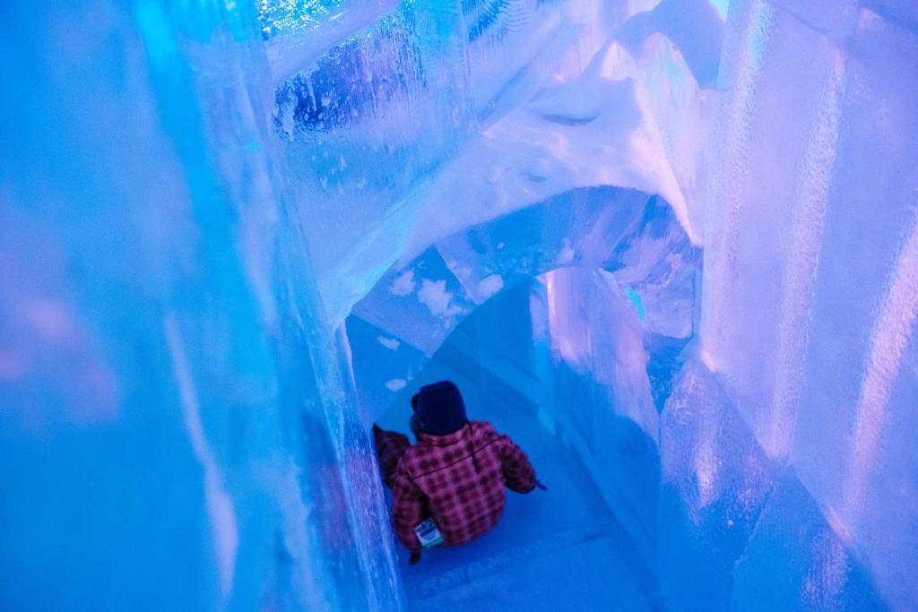 """Résultat de recherche d'images pour """"hotel de glace"""""""""""