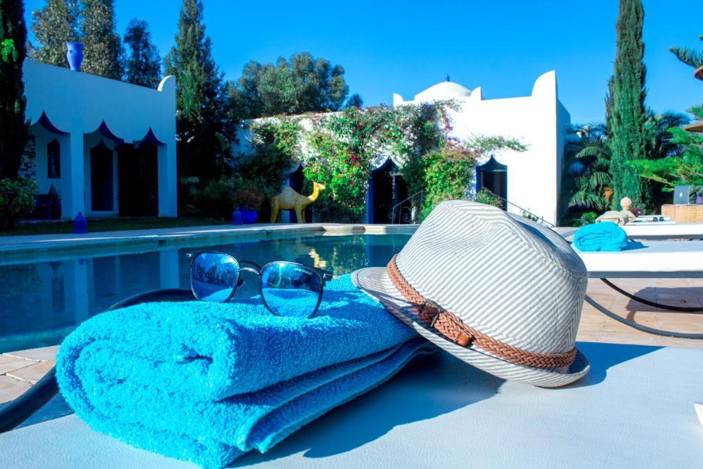 The swimming pool at or near Ecrin de Mogador