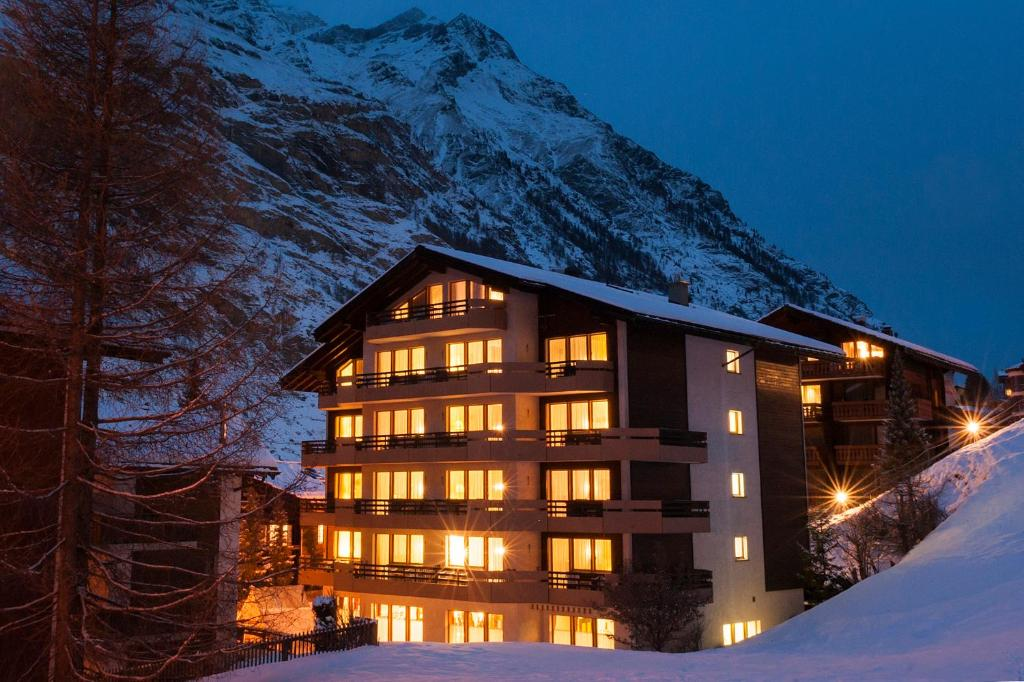 BaseCamp Hotel during the winter