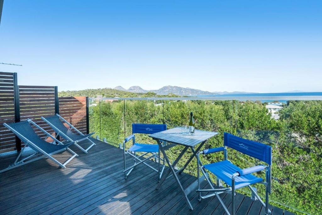 A balcony or terrace at Freycinet Panorama