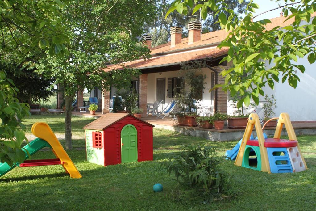 Area giochi per bambini di Agriturismo San Luigi