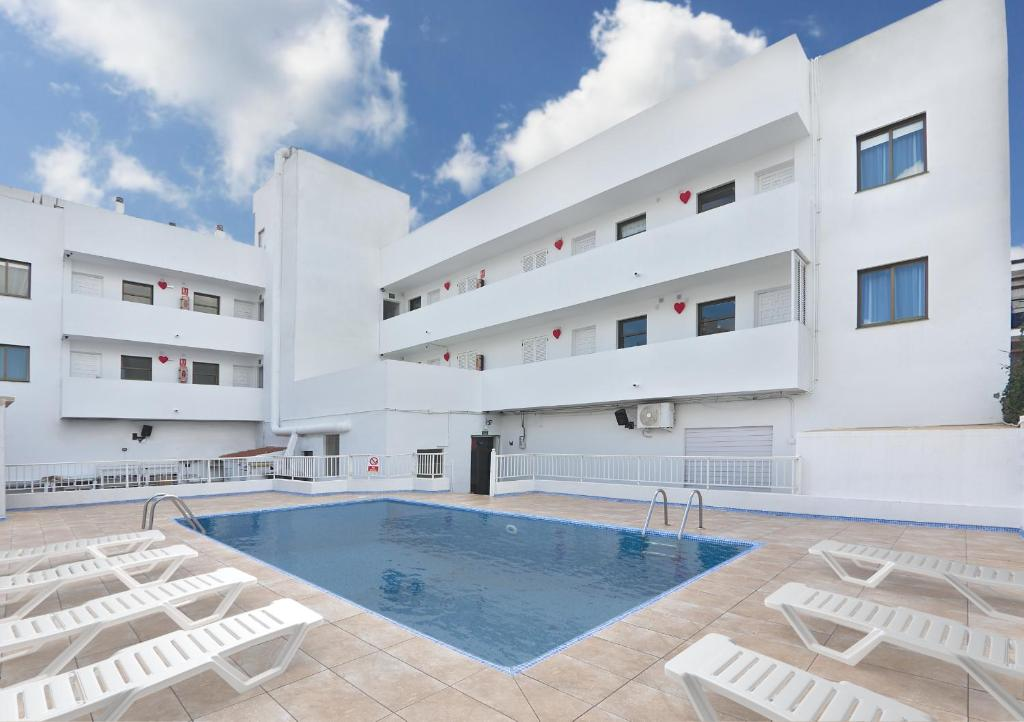 The swimming pool at or close to All Suite Ibiza Aparthotel