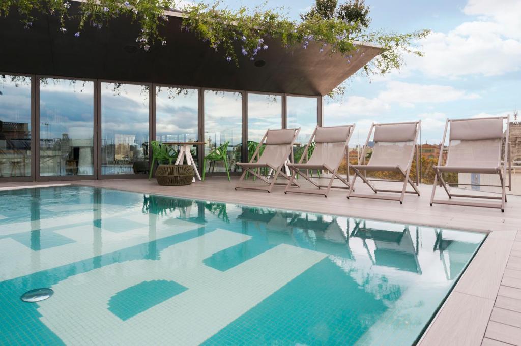 Der Swimmingpool an oder in der Nähe von Hotel Rec Barcelona - Adults Only