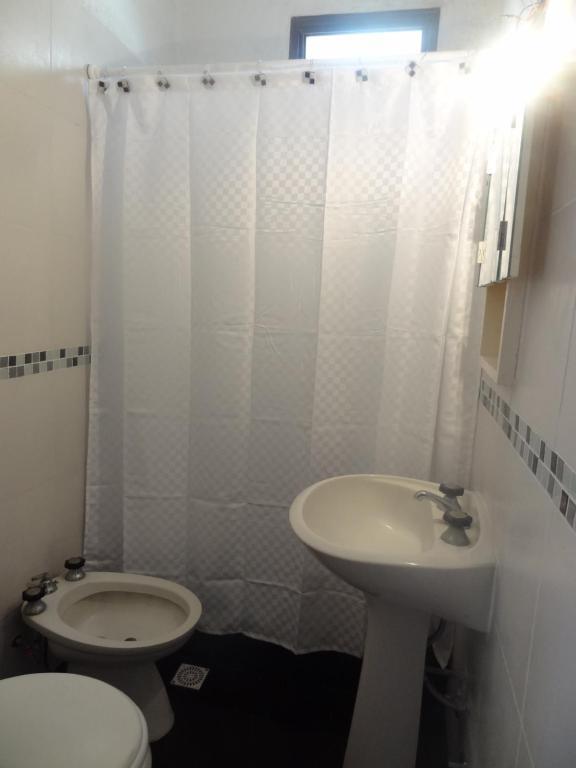 Un baño de Departamento en Buenos Aires y PLaya