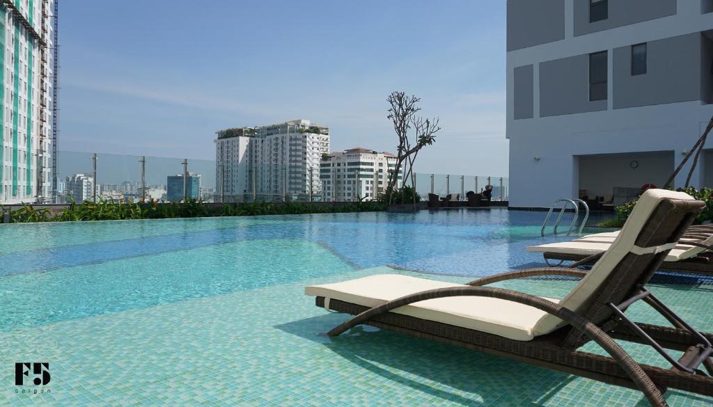 The swimming pool at or close to F5 Saigon