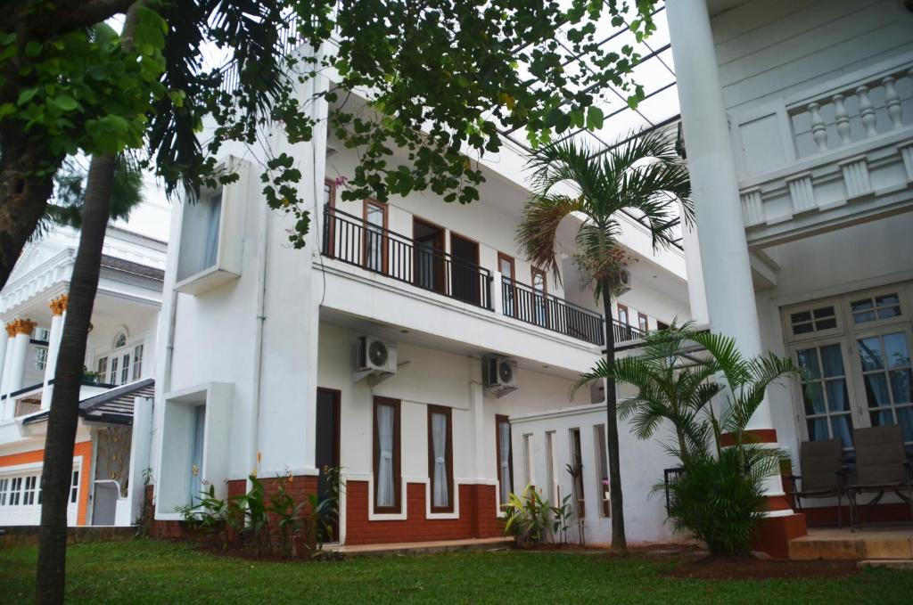 Razha Syariah Guest House Cibubur Indonesia Booking Com