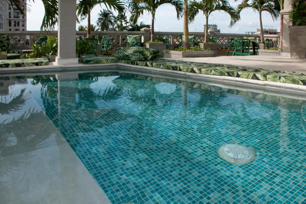 The swimming pool at or near Townhouse Boutique Hotel