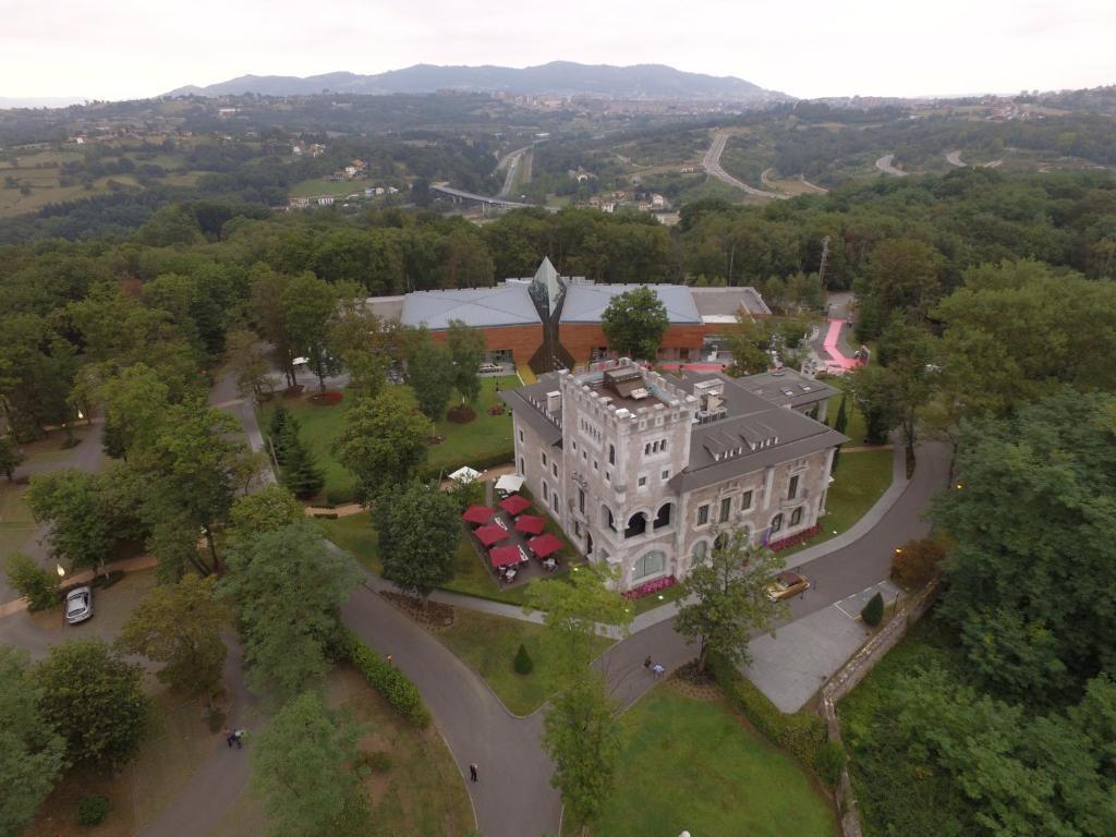 Castillo Del Bosque La Zoreda, Manjoya – Precios ...
