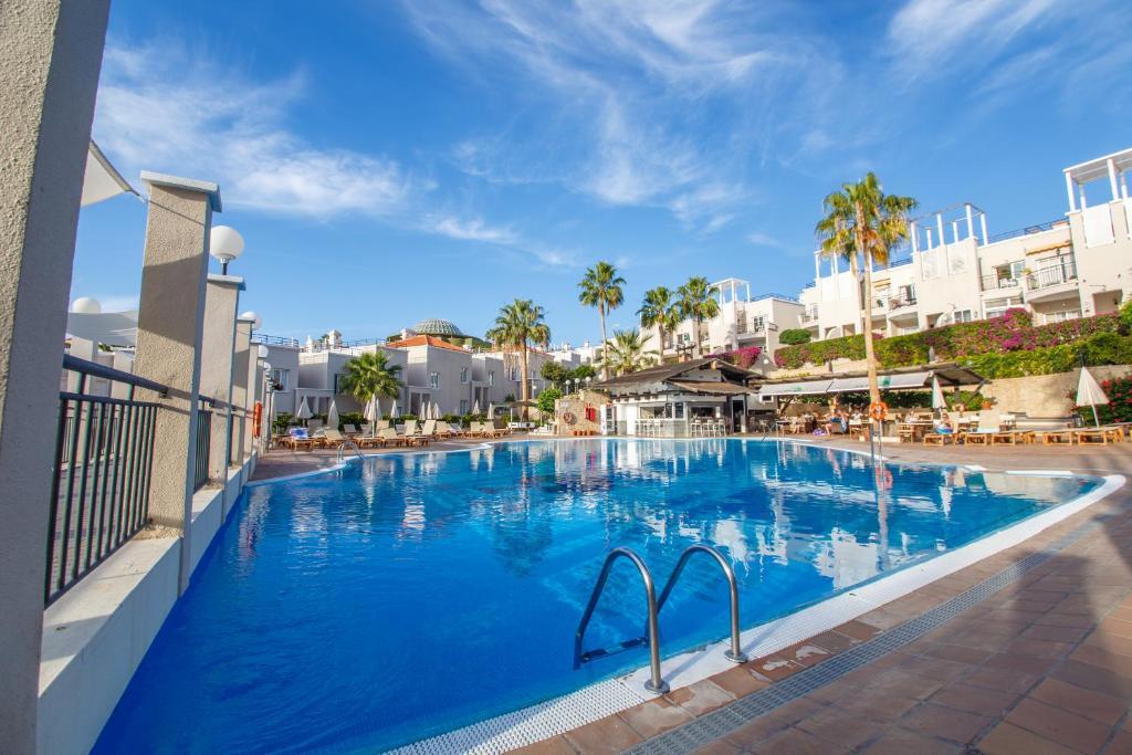 The swimming pool at or near Los Olivos Beach Resort