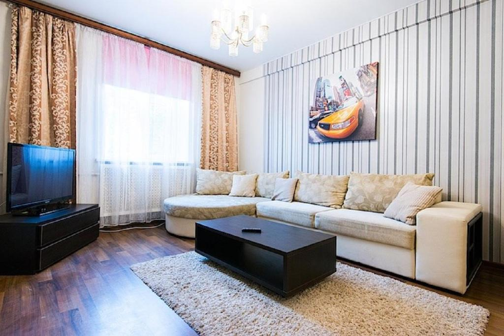 Гостиная зона в FlatComfort Nezavisimosti 35