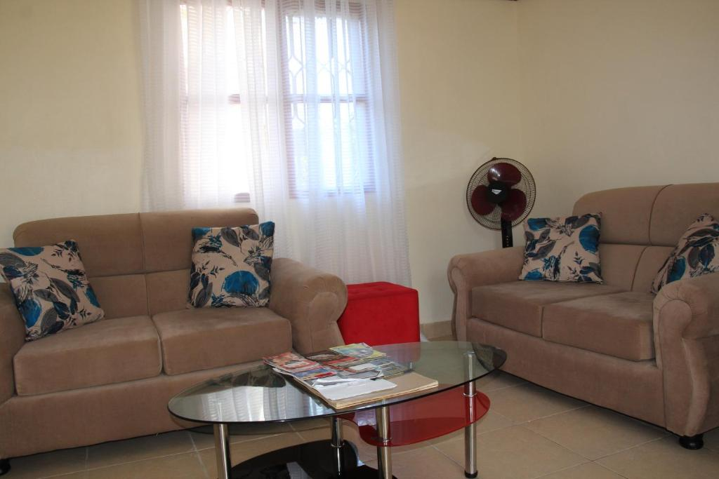 A seating area at Wemofa Pad Self-Catering Apartment