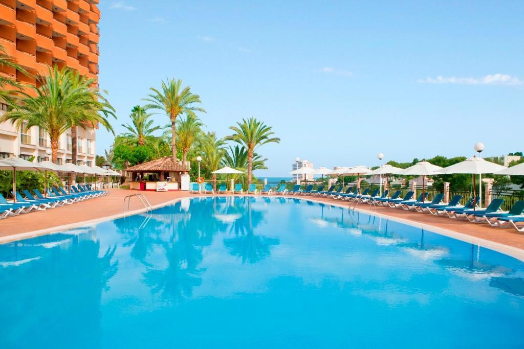 Бассейн в HSM Hotel Canarios Park или поблизости