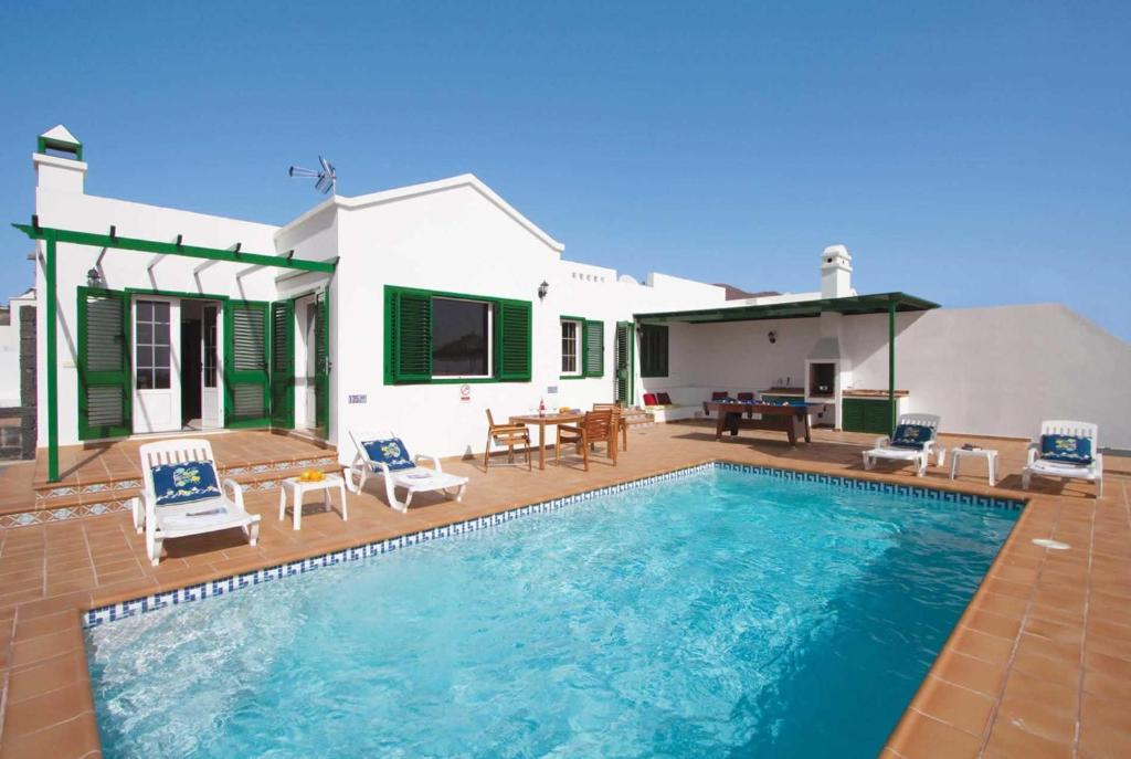 Villa Femes, Playa Blanca, Spain - Booking.com
